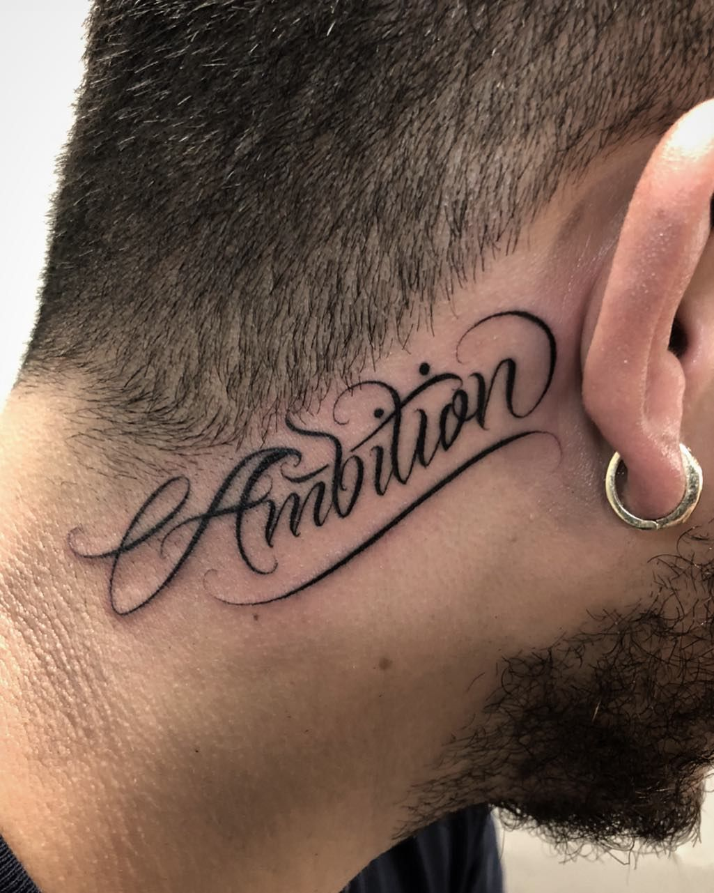 Pin De Kevin Valdez En Tatuaje De La Mano Tatuaje Del Cuello Tatuaje De Graffiti Tatuajes Al Azar