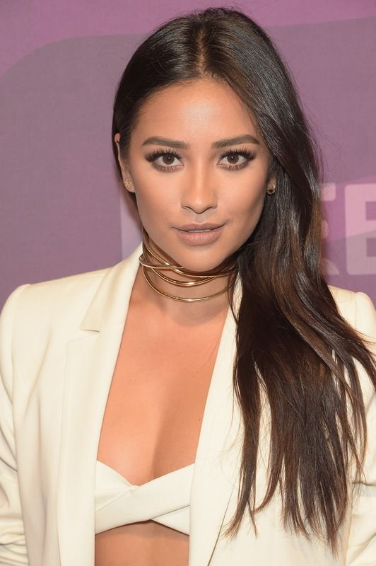 Is Shay Mitchell's Blonde Hair Real? The Answer Might Surprise You— PHOTOS