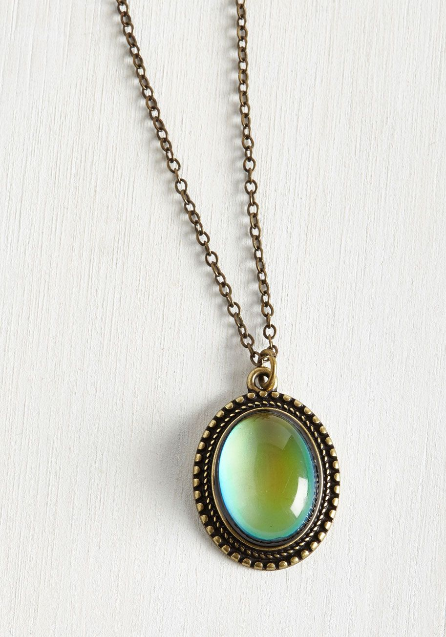Aura You Ready? Mood Necklace. Well, the second you clasp this pendant necklace, you will be! #green #modcloth
