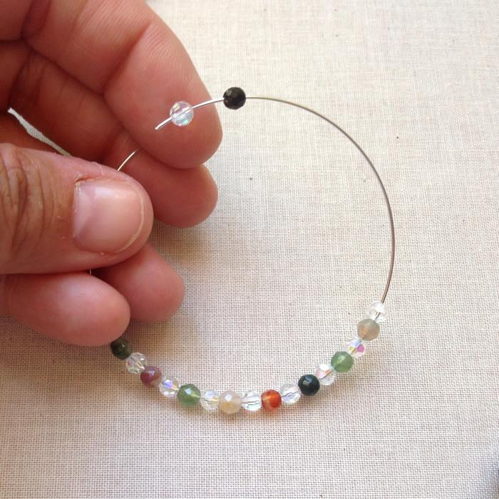 Photo of How to Make Beaded Memory Wire Hoop Earrings: Free Tutorial