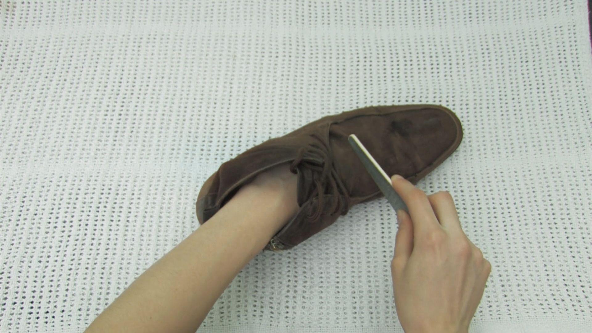 Nettoyer des chaussures en daim chaussures en daim bleu - Nettoyer des chaussures en daim ...