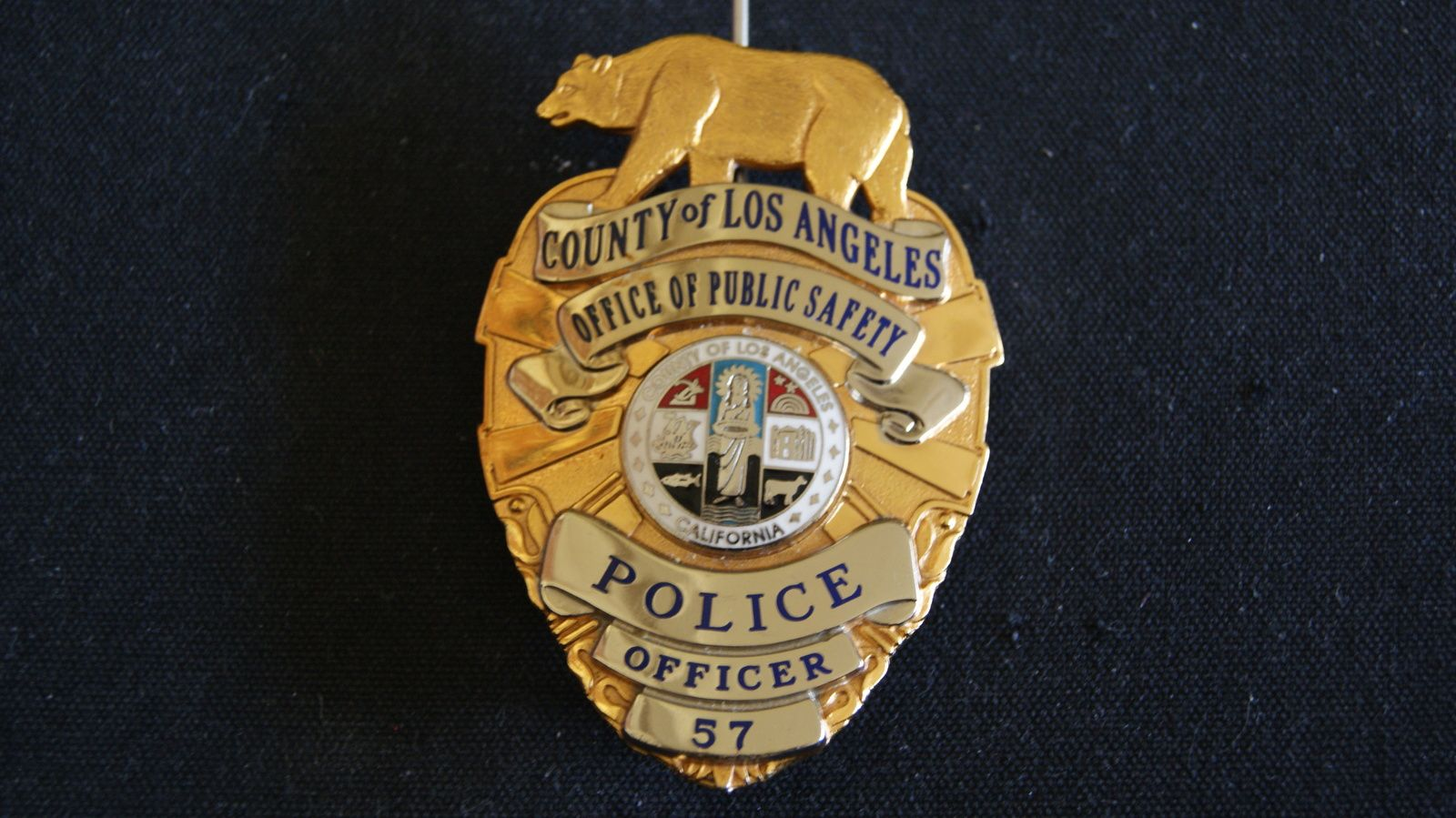 Pin By Solo918 On Police Badges Historical Memorabial Police Badge Fire Badge Police