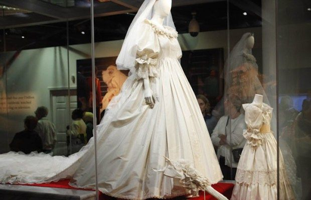 Iconic Wedding Gowns Living Out Loud Los Angeles Princess Diana Dresses Princess Diana Wedding Princess Diana Wedding Dress
