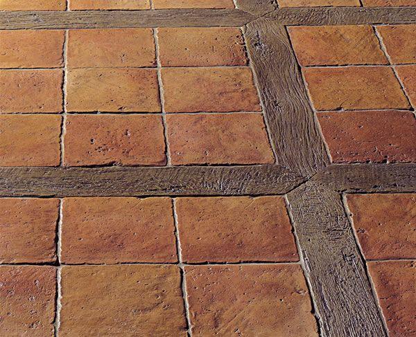 antiker terrakotta steinboden mit holz navetten material. Black Bedroom Furniture Sets. Home Design Ideas