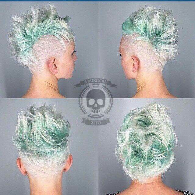 Short blond and pastel mint roots