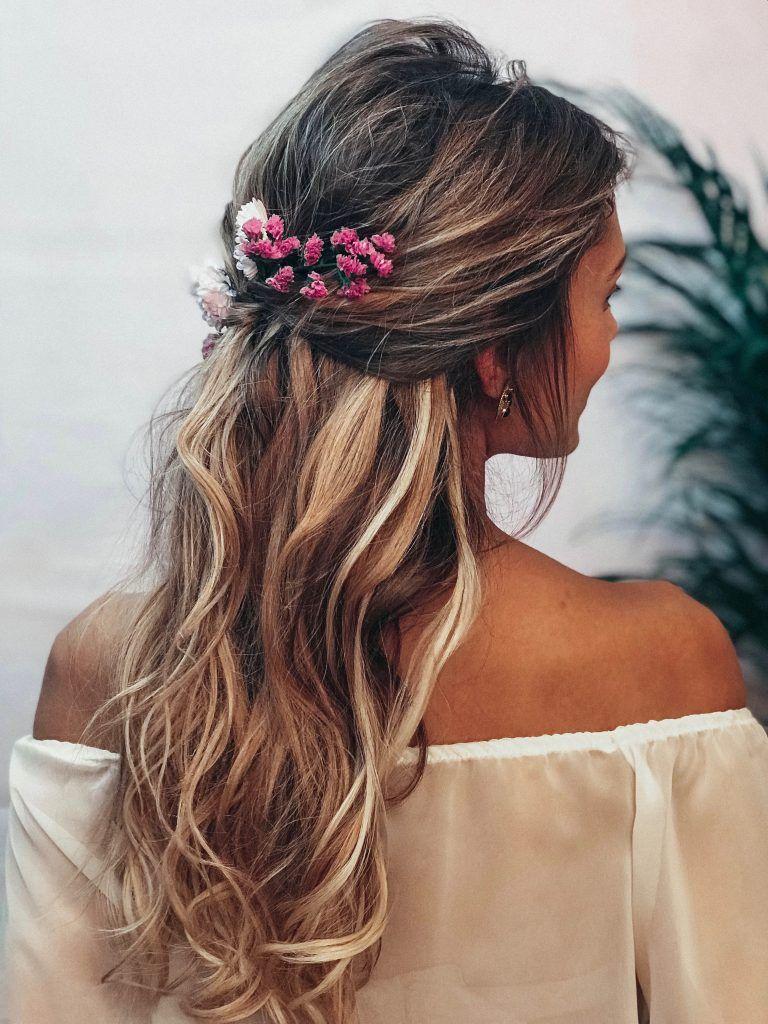Más cautivador peinados con peinetas Imagen de tutoriales de color de pelo - Peinados con flores naturales - bridalada   Peinado flores ...