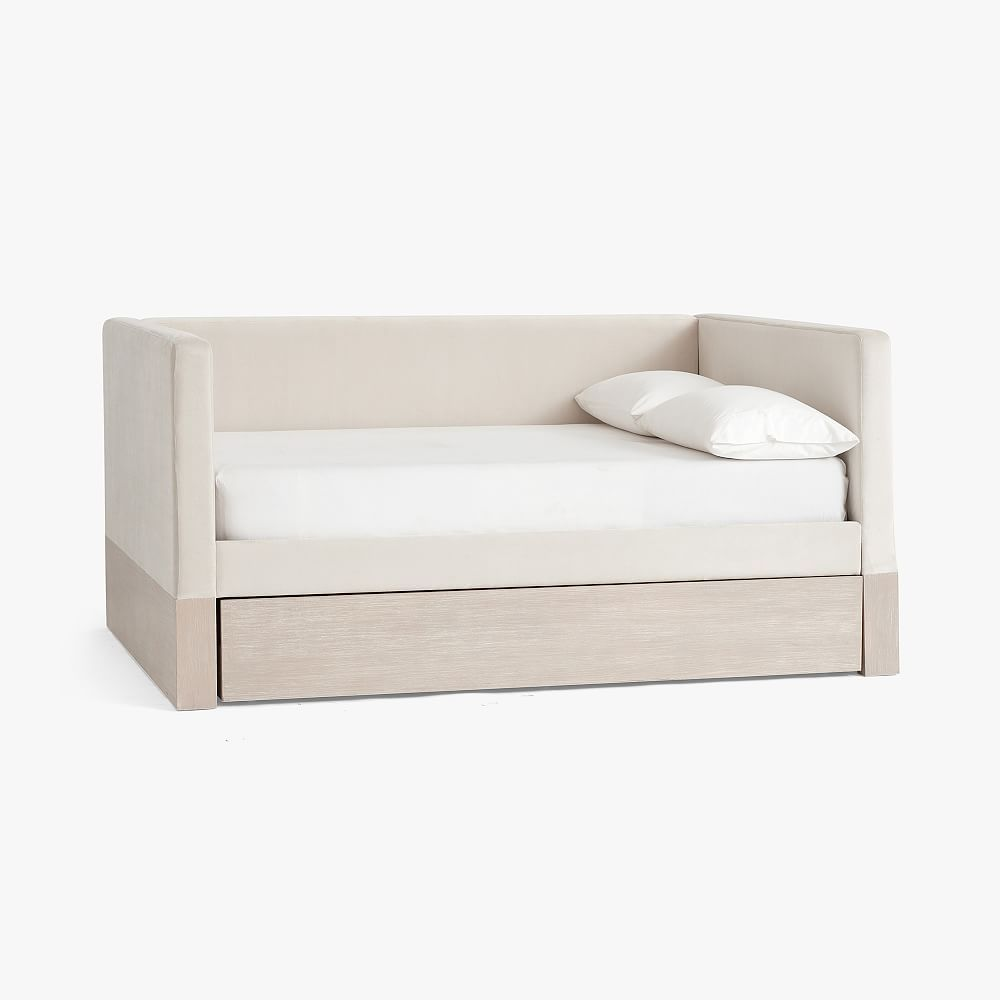 Pin By Niyyyah 2xx On Ii Home Vibe Ii In 2021 Daybed With Trundle Twin Daybed With Trundle Trundle Bed
