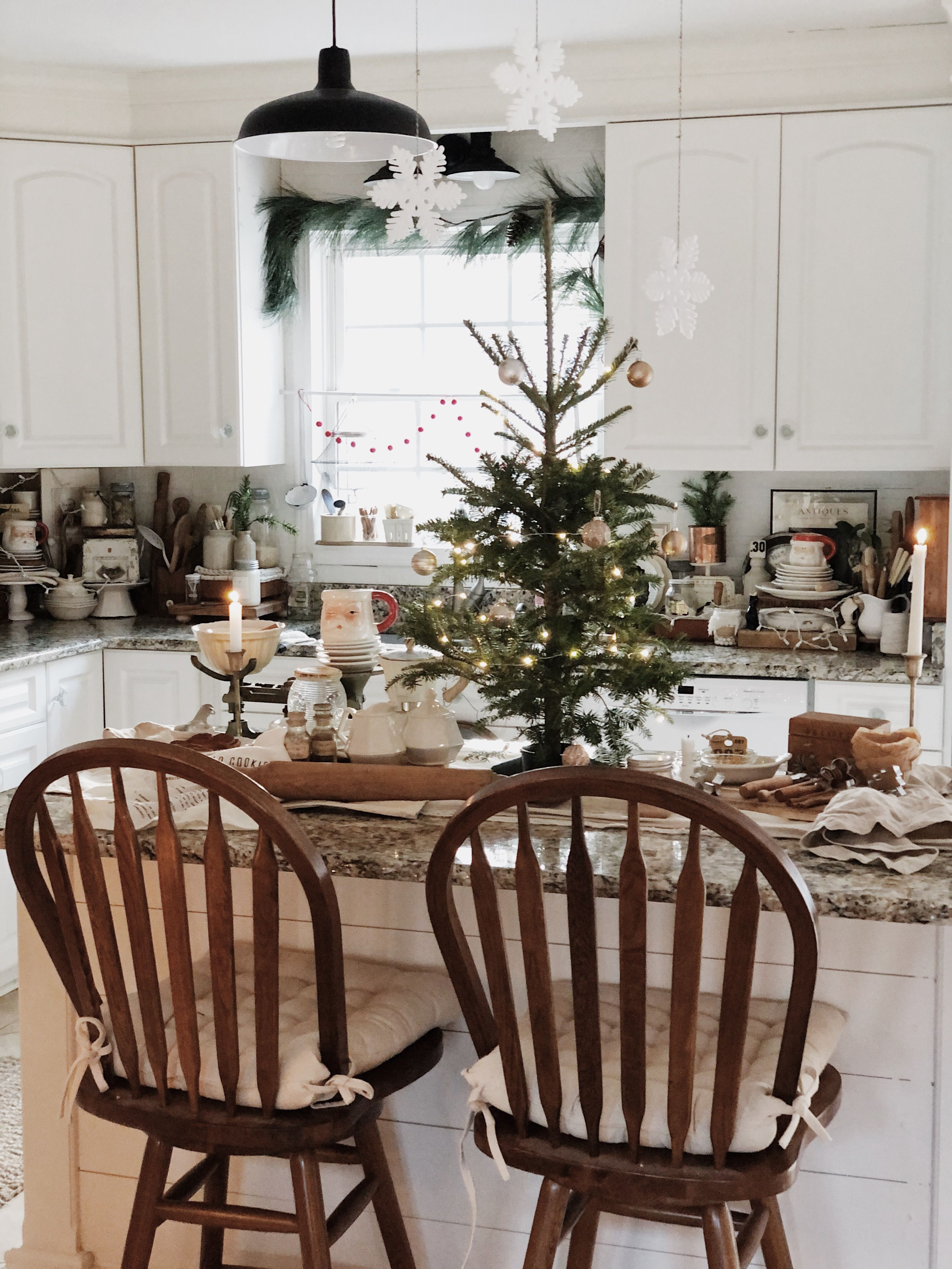 pin by keeley cozy cat cottage on our cottage christmas kitchen cottage christmas decor on kitchen xmas decor id=59211