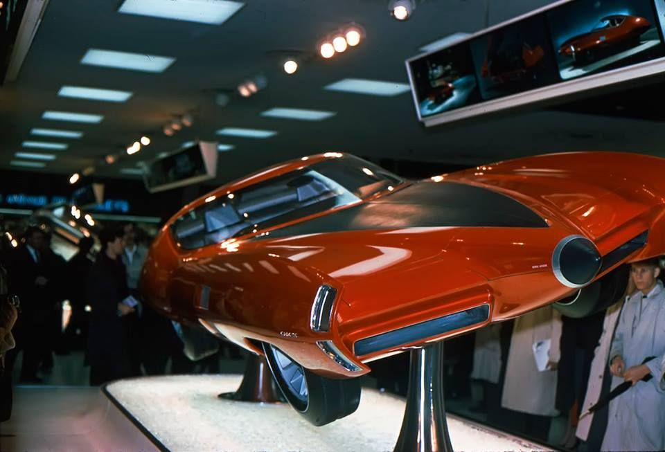 1964 Gm X Stiletto Concept Car Visitors To The 1964 1965 New