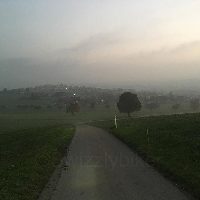 #swizzlybiker #swizzly #mystic #tour #hohenrain #kleinwangen #lucerne_switzerland #lucerne #grandtourofswitzerland #switzerland