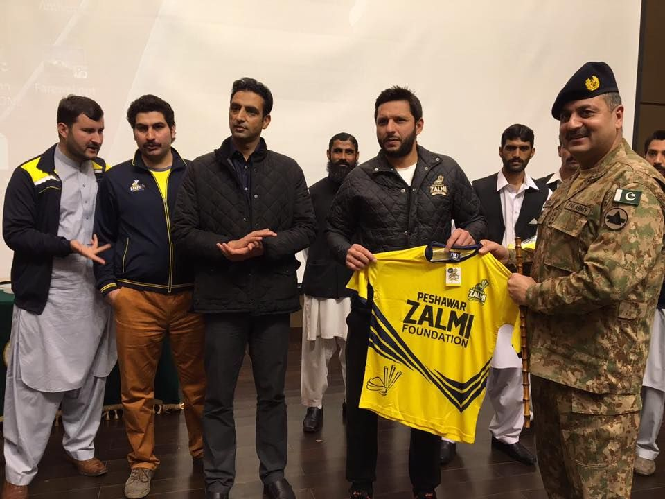 Shahid Afridi With Peshawar Zalmi For Aps Shahid Afridi Peshawar Cricket Teams