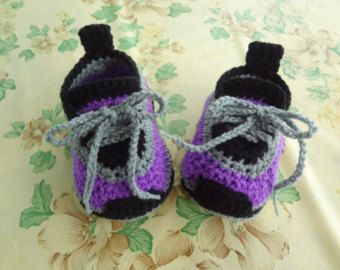 crochet baby sneakers crochet baby shoes baby by Thanunnuda