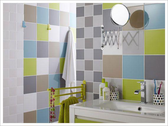 Vert, jaune, rouge ou encore fuchsia, la salle d\'eau se pare ...