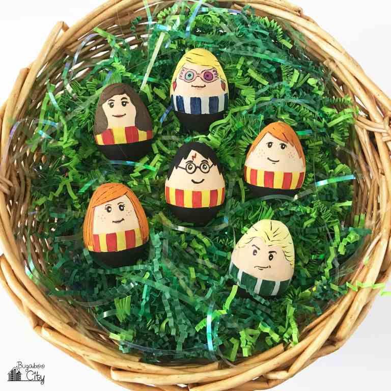 Harry Potter Easter Eggs Free Printable Egg Wrappers Harry Potter Easter Eggs Easter Egg Designs Easter Egg Crafts