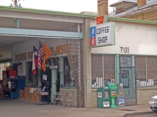 Get Your Mexican Food Fix At H H Car Wash And Coffee Shop In El Paso With Images Coffee Shop Car Wash El Paso