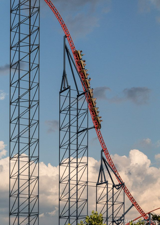 Superman Ride Of Steel Six Flags America Roller Coaster Park Roller Coaster Pictures New Roller Coaster