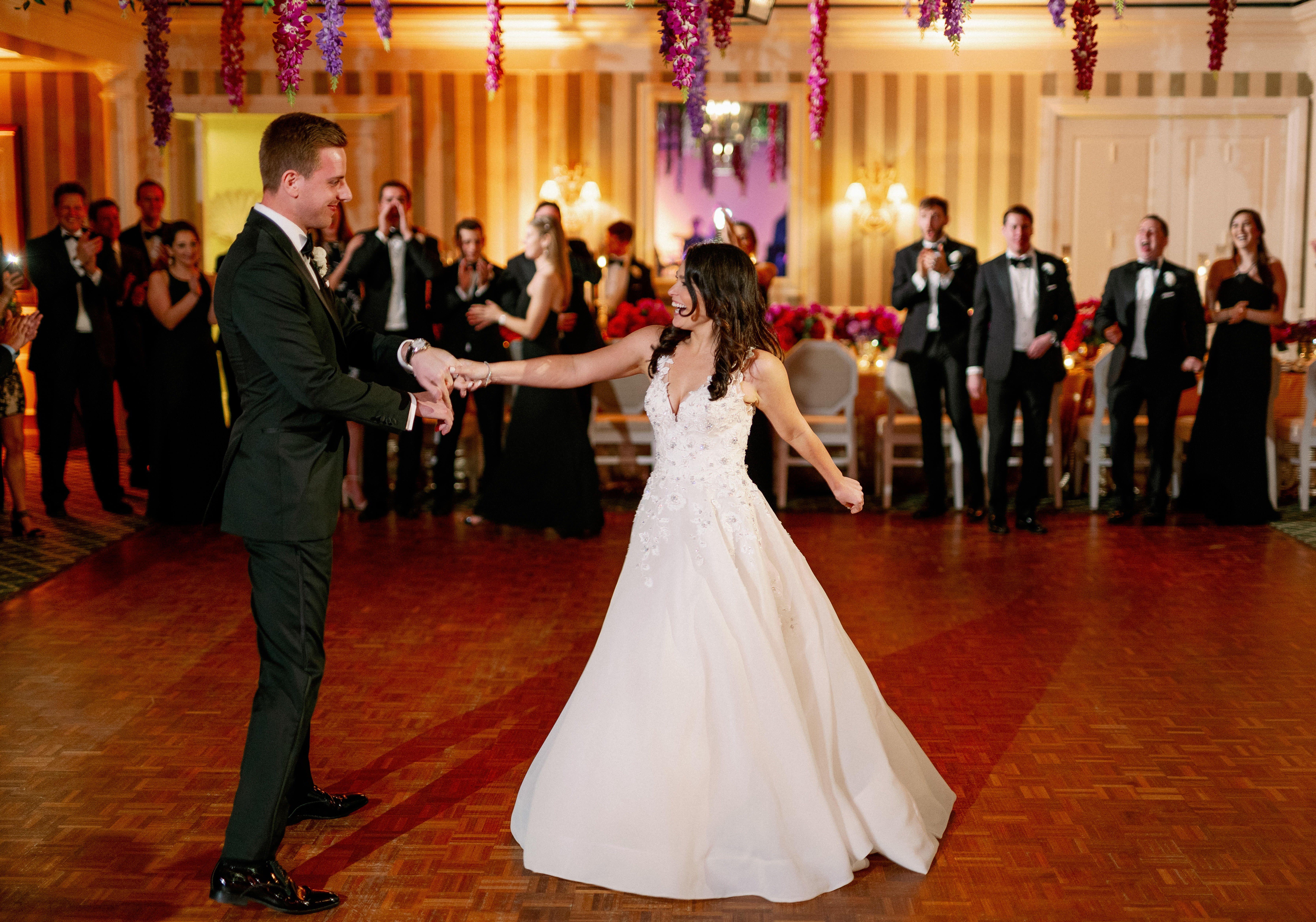 First Dance Photo In 2020 First Dance Photos Destination Wedding Wedding Planner