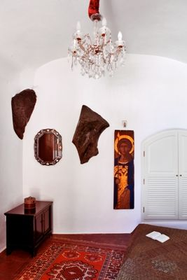 Traditional-Bedroom-Chandelier-Icon-Closets-Rock-Natural-Detail-Architect-InteriorDesigner-Santorini-Greece