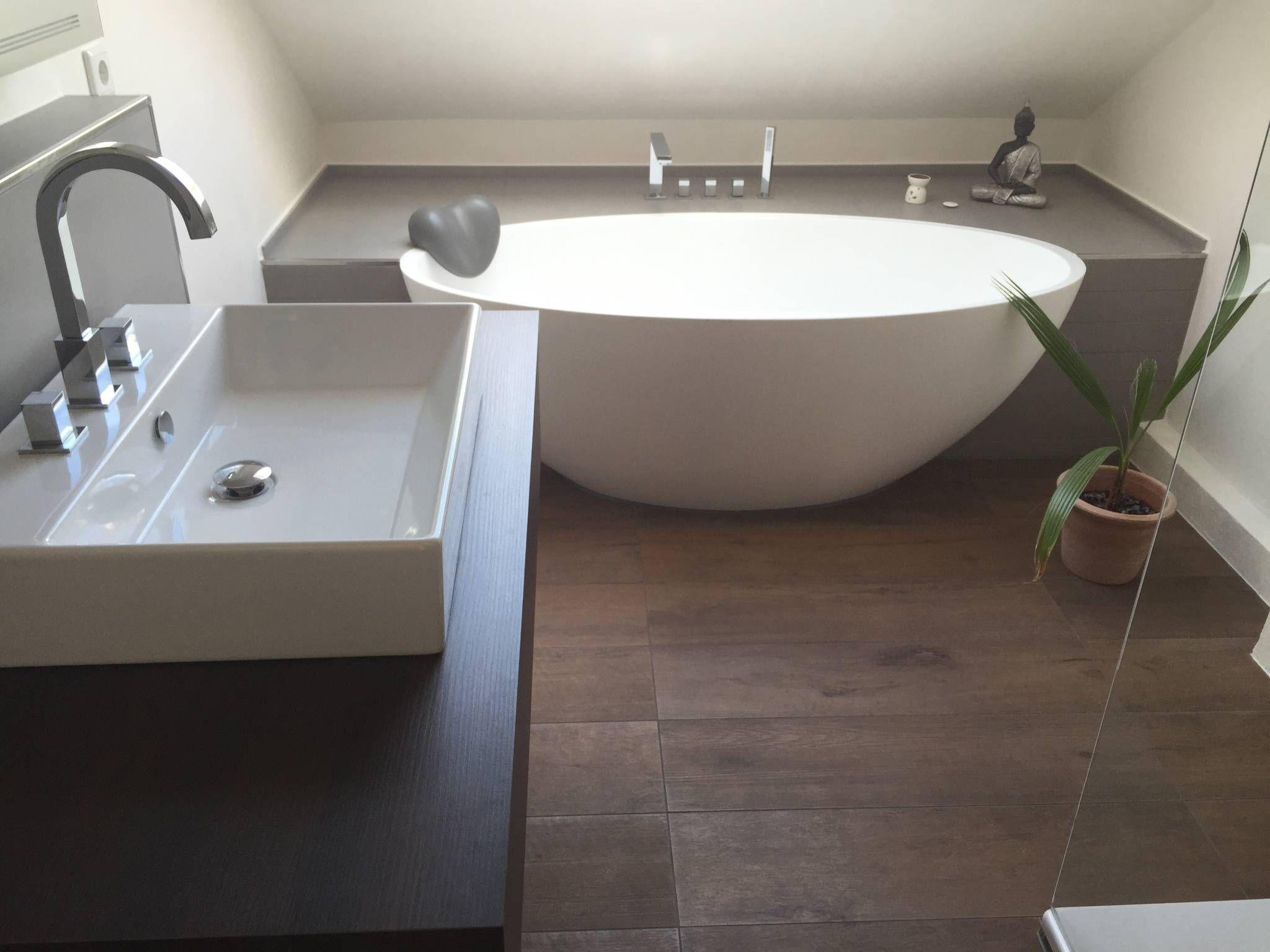 GroB Einbau Dokumentation Eines Badeloft Kunden Anhand Der Freistehenden  Badewanne BW 04 : Moderne Badezimmer Von Badeloft GmbH