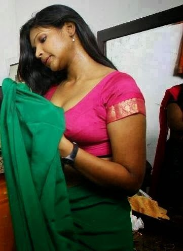 Real Life Hot Figures With Curves Sexy Desi Spicy Aunties And Bhabhis Indianudesi Com