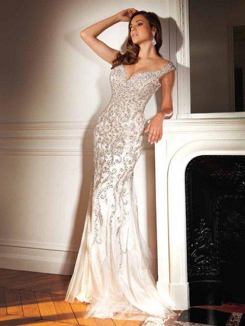 ca7963643075 Luxusné spoločenské šaty na ramienka