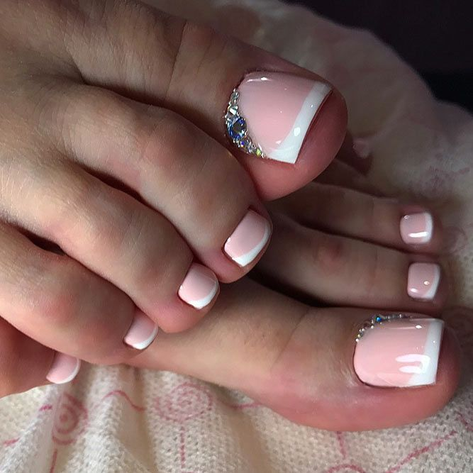 Cool New Nail Designs For Your Toes To Show Off This