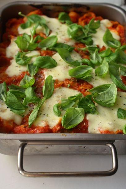 Tomaatti-mozzarellapastavuoka