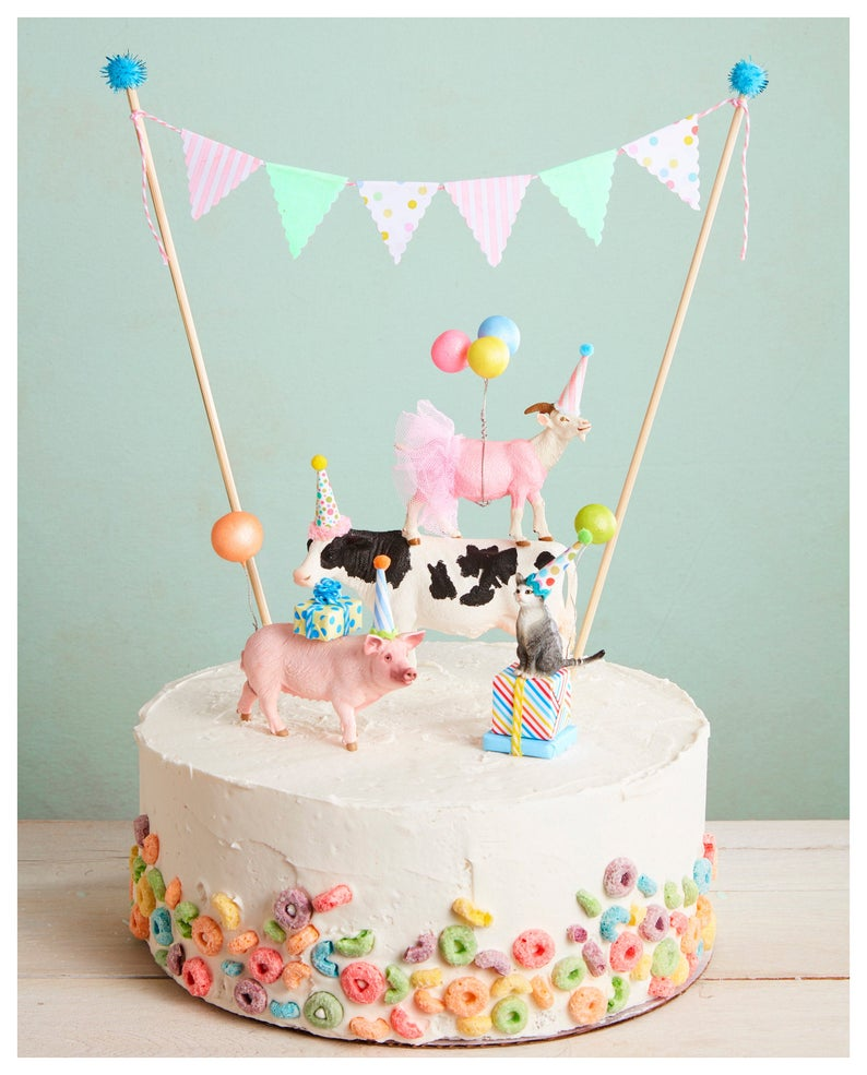 Farm Animal Cake Party Animal Cake Toppers Barnyard Themed Etsy Farm Animal Cakes Animal Cake Topper Animal Birthday Cakes