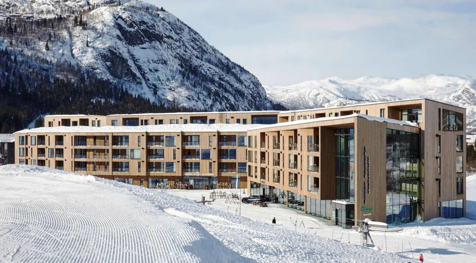 Centrally Located In Hemsedal Norway S Top Ski Resort And Home To The Highest Ski Lift In Scandinavia Hemsedal Su Architecture Details Architecture Ski Hotel