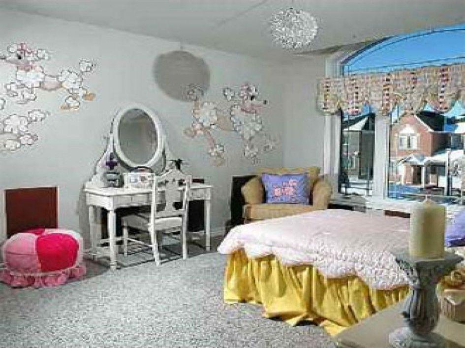 New York Bedroom Accessories - Mens Bedroom Interior ...