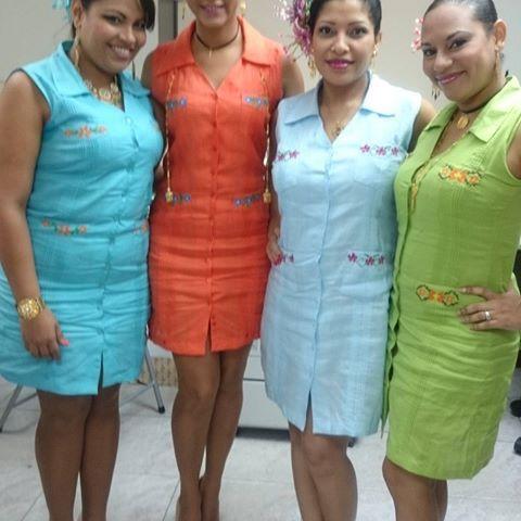 Estas bellezas luciendo los diseños de #materialesangie... Ojueeee  #fiestaspatrias #panameñas #Panamá