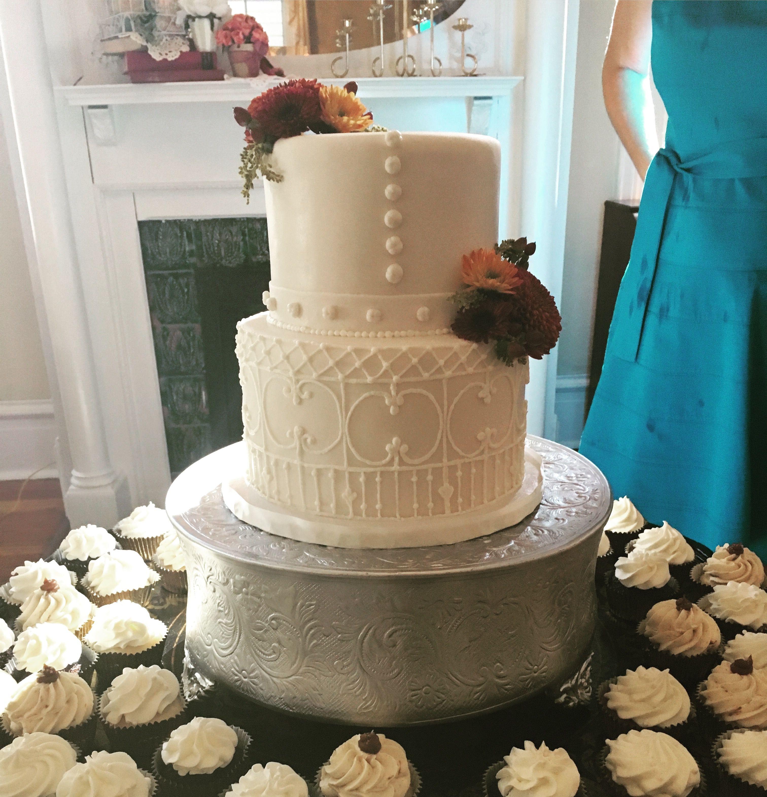Great Gingerbread House In Savannah Ga Replica On A Wedding Cake Design Inspirations