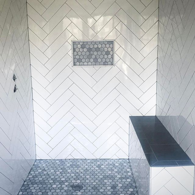 Herringbone Subway Tile With Grey Grout Master Bath Shower Hexagon Marble Floor And Shower Niche Gre Shower Tile Designs Master Shower Tile Farmhouse Shower