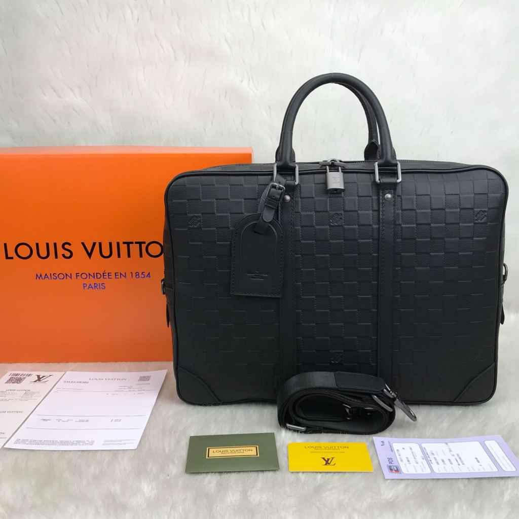 Louis Vuitton Canta Porte Voyage Evrak Laptop Canta Siyah Infini Hakiki Deri 41x31x7 10231817063068 1 Canta Nisantasi Louis Vuitton Canta Voyage