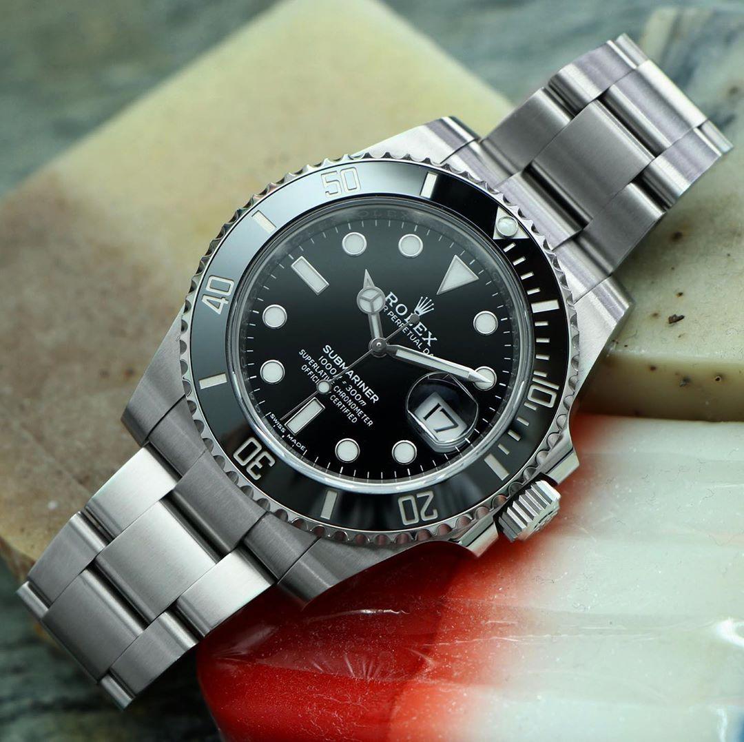"""Alan on Instagram: """"The classic 40mm Submariner Date ref 116610LN . . . . #Rolex #submarinerdate #16610 #rolexaholics #wristporn #watchaddict #vintagerolex…"""""""