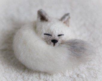 Fox Brooch wool Pin sleeping fox jewellery fox stuffed animal miniature gift for her jewellery fox lover kawaii