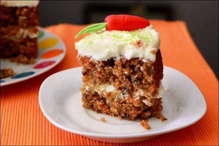 Tarta de zanahoria. Esta tarta admite variaciones, se le pueden agregar frutos secos y otras especias. También se puede comer solo o con glaseado....