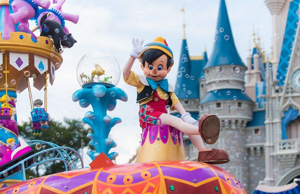 Festival of Fantasy Parade is the newest Magic Kingdom parade that debuted with New Fantasyland's opening atWalt Disney World. This post has viewing tips