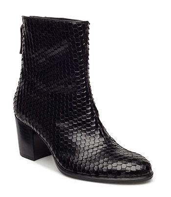SHAPE 55 - BLACK | Modetrends für Frauenmode | Pinterest ...