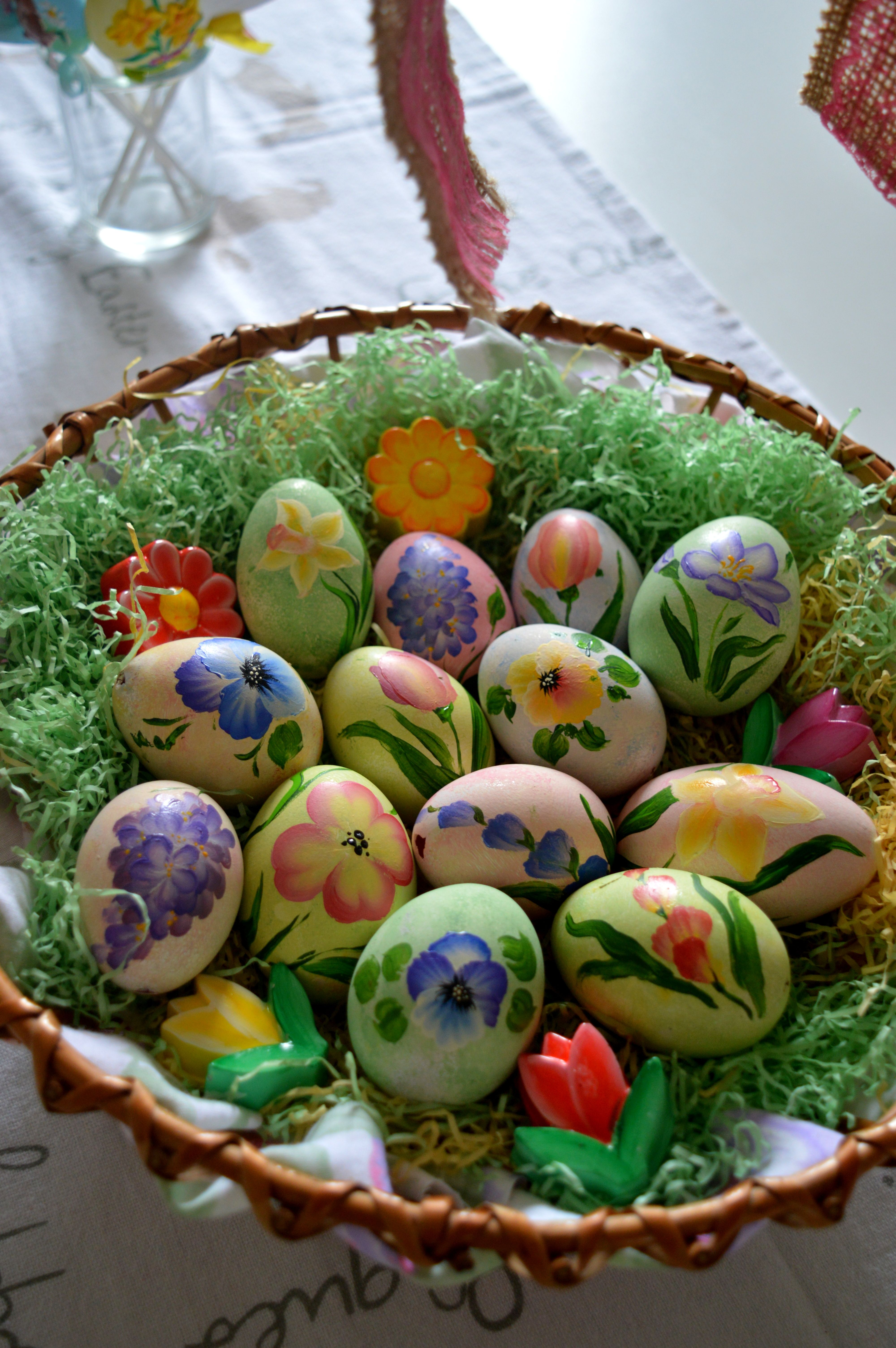 One Stroke Easter Decoration