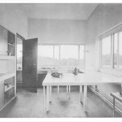 Cuisine de la Villa Savoye à Poissy. Définitivement moderniste.