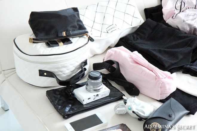 Girly black and white travelling essentials - Adalmina's Secret
