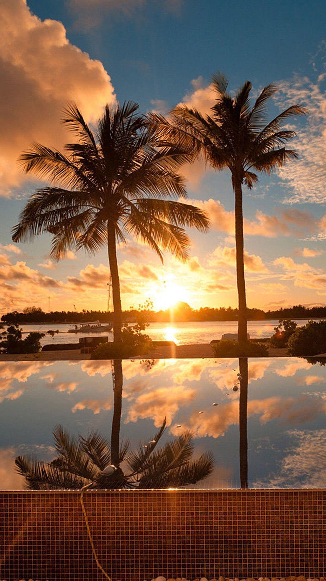 人気97位 ロマンチックな夕焼けのビーチ Iphone Xの壁紙がダウンロードし放題 ハワイ 壁紙 夏 壁紙 風景の壁紙