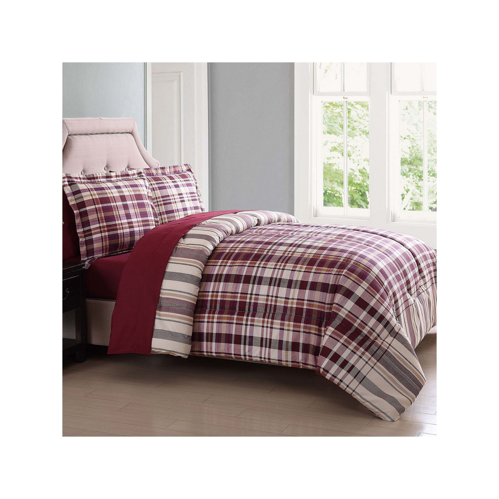 London Fog Cornwall Reversible Comforter Set Red Products