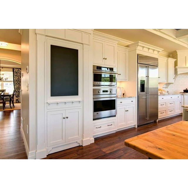 One Bedroom Suite With Kitchen: Pin By Janet R On Lynn - Cabinets In 2019