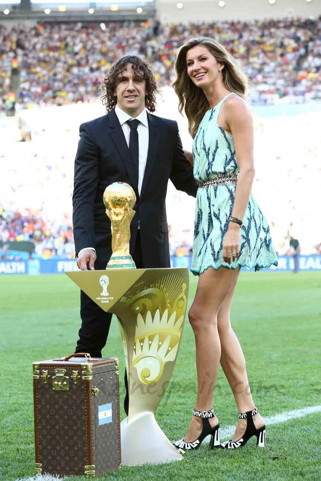 ¿Cuánto mide Carles Puyol? - Altura - Real height E1e448b4d7d296da39627394f975df23
