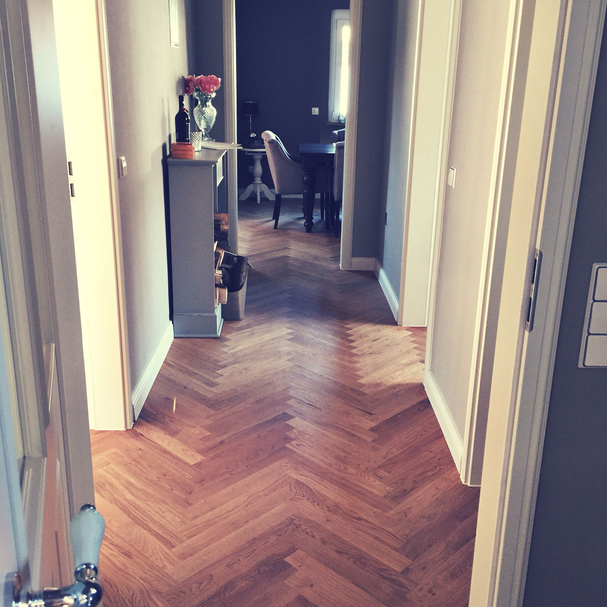 """Herringbone oak floor, oiled. Walls painted with #Flamant Colours """"200 Cimento"""""""