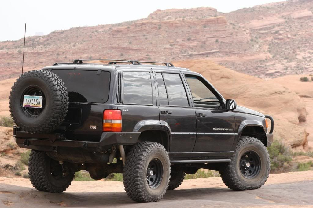 I Can T For The Life Of Me Find A Front Shot Where The Jeep Isn T Flexing So I Ll Go Out And Take One In A Minute Jeep Zj Jeep Grand Cherokee