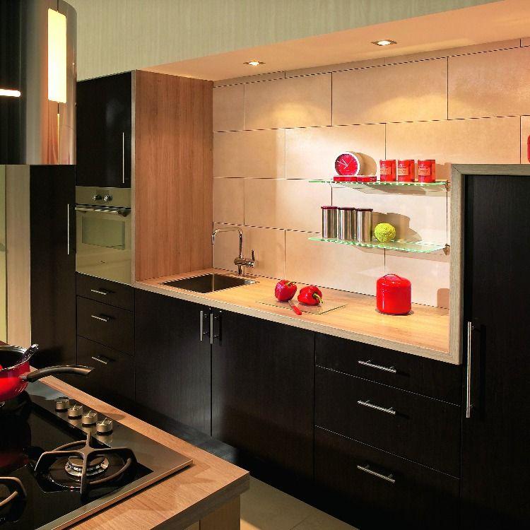C'è poi un'ulteriore versione della cucina che misura 120 cm di larghezza. Cucine Componibili Cucine Piani Cucina Cucine Country