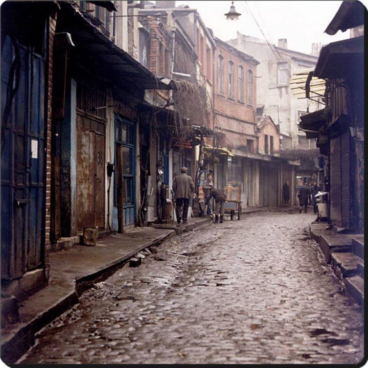 Online-Verkauf rationelle Konstruktion günstigen preis genießen bir ara sokak | ıstanbul old street | Istanbul, Sokak ve Şehir